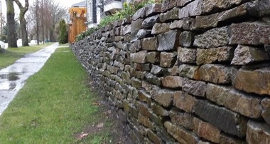 Why Should You Get a Retaining Wall?