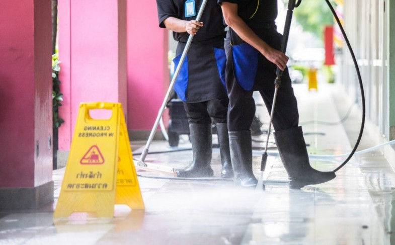 Maintain your commercial property with pressure washing!