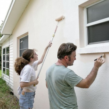 Stucco painting and some suggestions in the undertaking